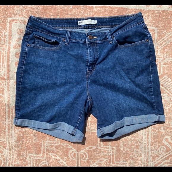 Levis dark denim shorts
